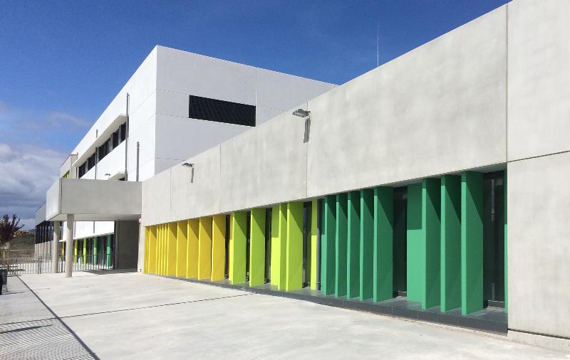 Kadinet for Servicios escolares arquitectura